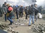 На Институтской возле Майдана снова начались столкновения с «Беркутом»